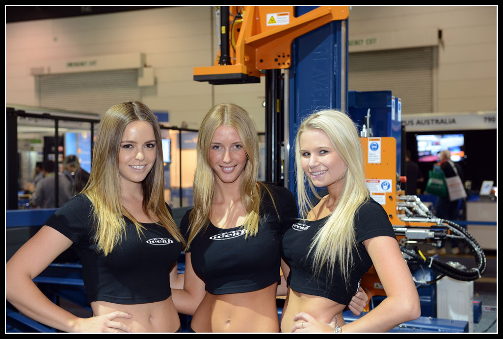 The stunningly beautiful Oceanettes, Carly, Laura and Carly