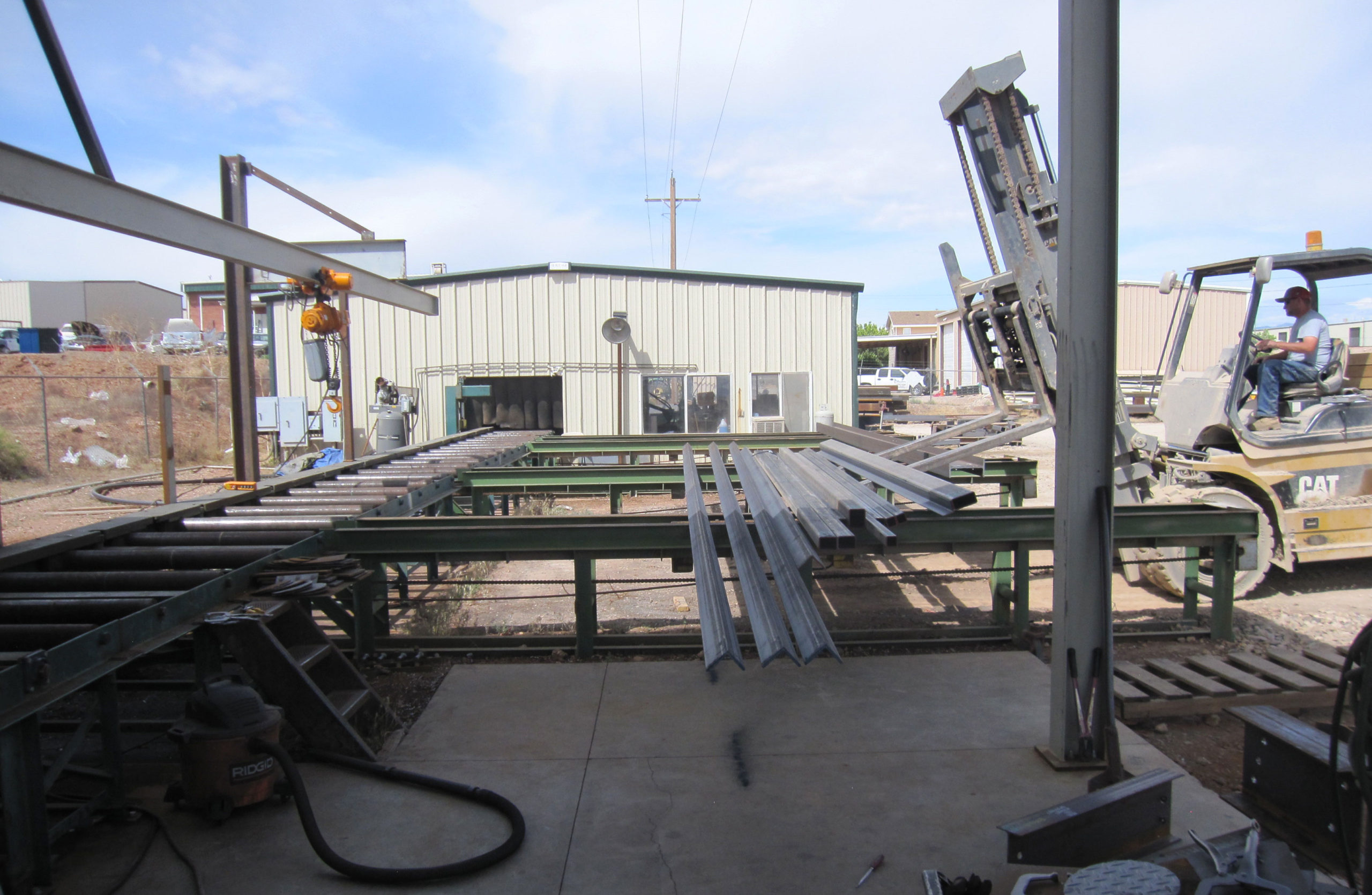 Loading steel to process with Ocean Blaster