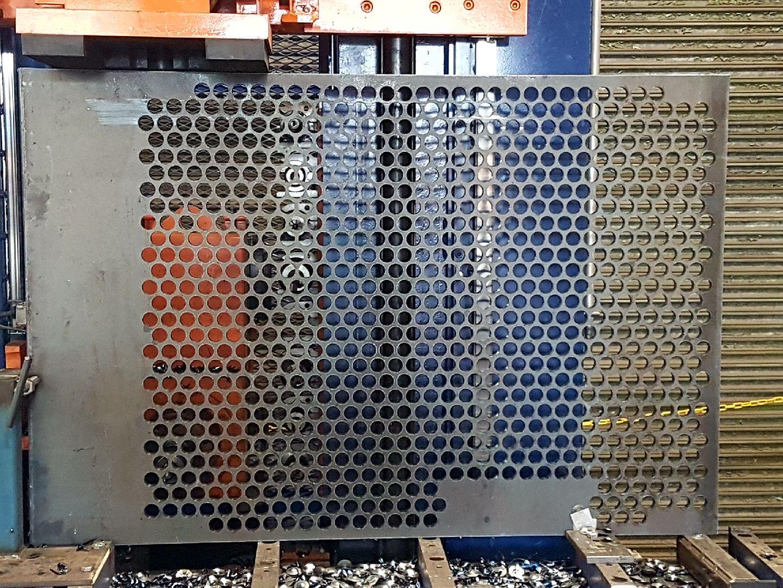 Avenger making new vent screen
